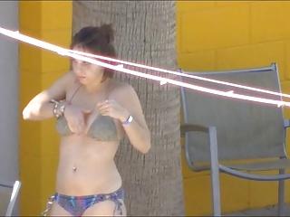 Bikini Floozy Puts On Quite A Show