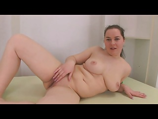 Horny Heavy Teen like one another the brush ass and pussy on the brush bed
