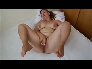 Spreading bbw milf mature chubby mom