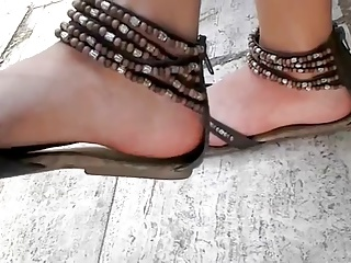 young teen sandals feet foot candid ayak