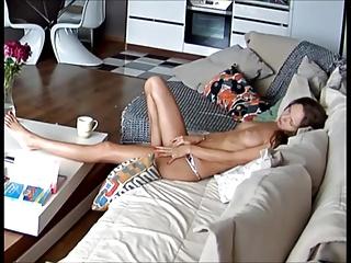 Reallifecam Leora masturbates in chaise longue Pine