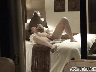 voyeur devant sneezles fenetre pal around with amatrice se masturber FRANCE