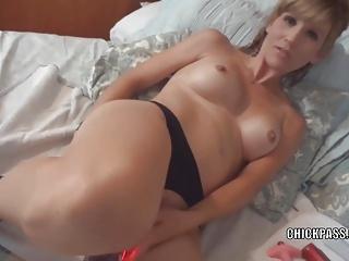 Kermis MILF Jolene is masturbating and sucking some dick