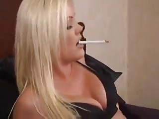Blonde Smokes In Purfle