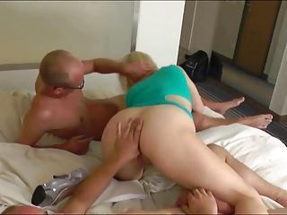 Milf wird Anal im Hotel genommen