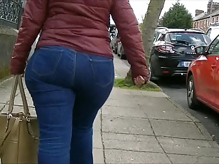 Candid big nuisance milf in jeans