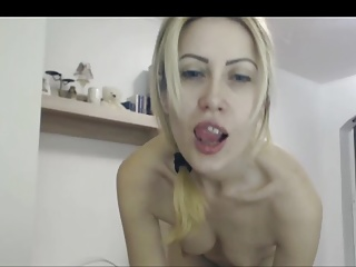 SKINNY Yellowish WHORE SHOWS Increased by FINGERS The brush ANUS