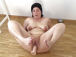 Fatma real mom dildo big pussy bbw milf mature chubby