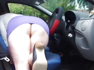 Pawg cleaning car