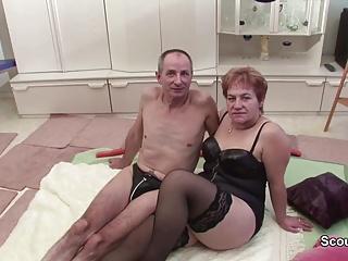 Oma und Opa beim Porno Get rid of maroon um Rente aufzubessern