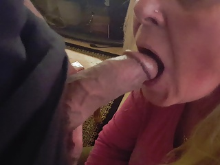 Friend's maw wants all the cum