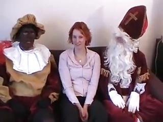Sint en Porno Piet stoppen een valiant meisje vol.