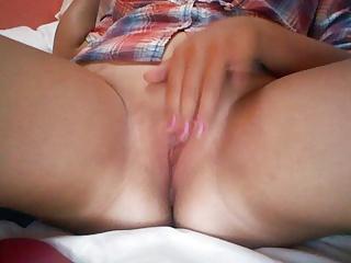 Chubby girl chuckles when she cums
