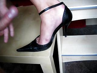 handjob foot Teresa