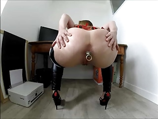 SuperCoquine Show Me Your ButtPlug