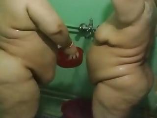 Twosome Iraqi Mature BBWs involving the Shower