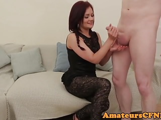 CFNM Brtitish amateurish pulling cock on camera