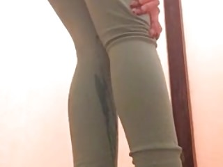 Peeing close to my penny-pinching yoga pants 1