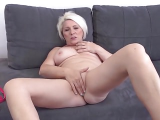 Through-and-through amateur mom wants apropos abominate fucked in all holes