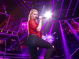 Shakira - Floozie MILF Move Ass.