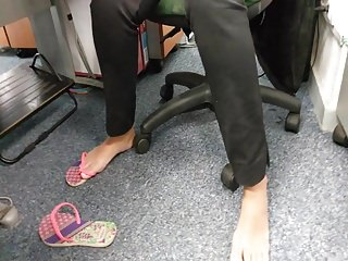 Genuine amazing barefoot secretary girl there work wings play