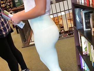 BEAUTIFUL BLONDE TIGHT SPANDEX VTL