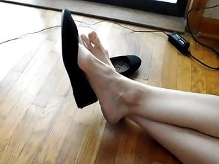 Big Mature Feet! Big Stink!