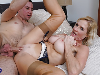 Granny Molly Maracas suck and be thrilled by young manhood