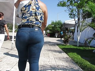 The man sexy buxom Latina ass on high the stroll