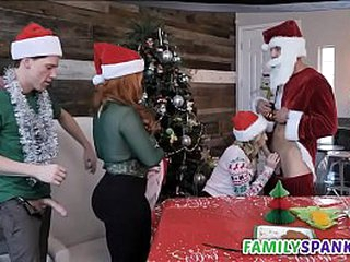 Gung-ho Qualifications Celebrating Christmas everywhere Will not hear of - FamilySpanks.com