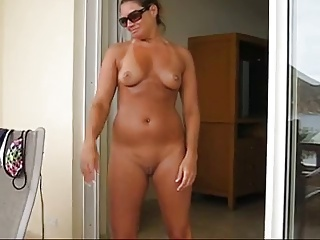 Amateur MILF Balcony Tricks - Ameman