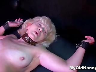 Super hot granny enjoys nailing near a strapon