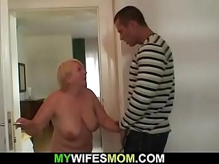 Guy helps girlfriend'_s old mom jism
