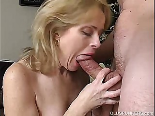 Glum matured amateur enjoys a pang eternal fuck