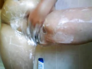 Close-up shaving pussy