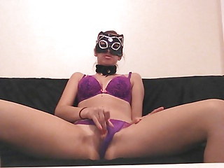 Kitty anal with dildo